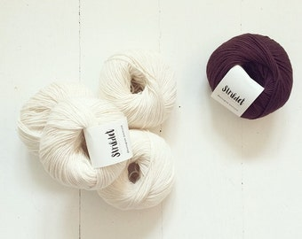 VALUE DEAL: 5 x 50 grams of Organic Cotton  + A free choice of 1 Strikdet kntting pattern