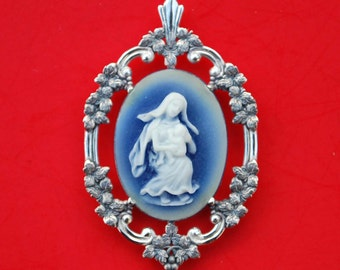925 Sterling Silver Blue Cameo Pendant - Mother and Baby