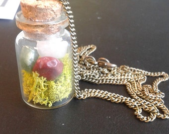 Nature Necklace : moss + handpicked stones