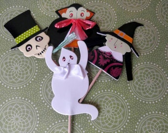 Halloween Cupcake Toppers. Halloween Party. Witch. Skeleton. Dracula. Vampire. Ghost. Set of 16.