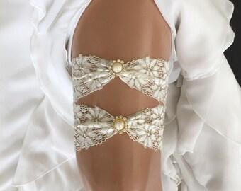 wedding garter set, ivory lace bridal garter set,  pearl/rhinestone, gold