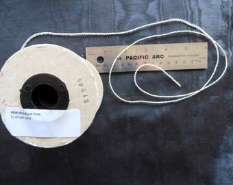 Mini Picot Ivory Trim 4068B
