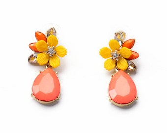 Unique and Pretty Peach Teardrops Yellow Flower with White Rhinestone Statement Dangle Earrings