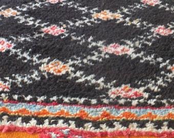 charcoal diamond - vintage moroccan rug