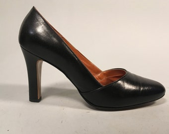 Vintage 1960s Shoes | Black Leather 'Red Cross Shoes' Classic Pumps | Size 6.5