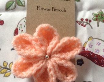 Six petal flower brooch