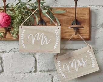 Mr And Mrs Wooden Chair / Hanging Sign Wedding Decorations