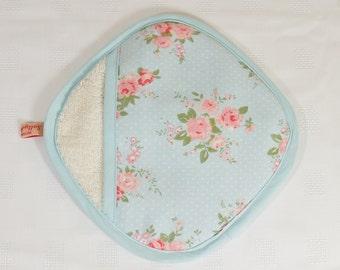 Pocket pot holder in decorative blue with pink flowers design