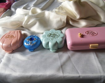 Sale Reduced price - Vintage Polly Pocket compact lot of 4 toys 1990s Pink green blue cases - no dolls - job lot spares and repairs broken