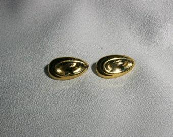 Vintage Golden Tear Drop Post Back Earrings Costume Jewelry