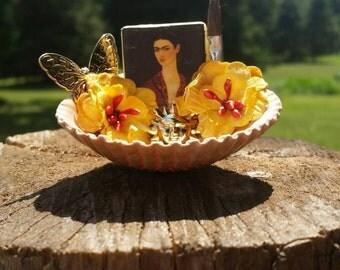 Frida kahlo mini shell shrine