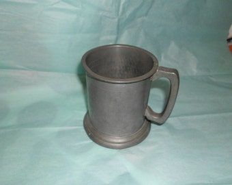"""Hand Hammered Sheffield Enland Pewter Mug 3.75"""" in height Nice Condition"""