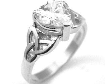 14ct Gold Heart Shaped Trinity Knot 1ct Diamond Ring (SS216)