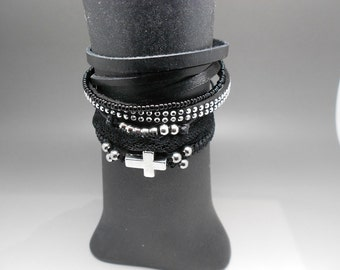 Gothic loving row bracelet