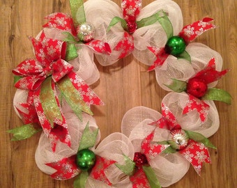 Christmas wreaths, winter wreath, white holiday wreath, whimsical wreaths, Christmas wreath