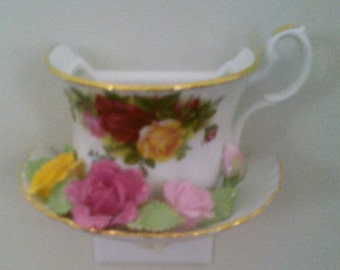 Old Country Roses//Teacup Night Light//Made in China//Vintage Night Light/Royal Albert Night Light