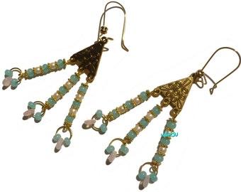 Dangling glass beads earrings