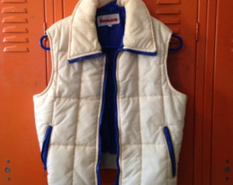 Vintage 70's Women's Puffy Vest * Off White and Navy Blue Vest * Women's Small Vest * Made by Foxmoor