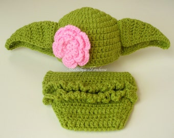 Star Wars Crochet Yoda Baby Girl Hat and Diaper Cover/lightsaber/Master Yoda Baby Hat  From Star Wars For Girl/Newborn Crochet Photo Prop