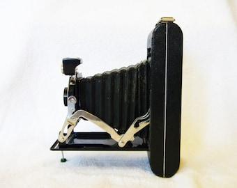 Folding Camera, Bellows camera, Kodak Junior Six-16 Camera c. 1930s