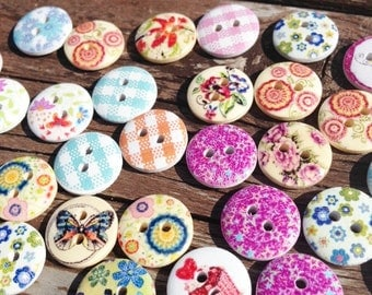Scrapbooking buttons, buttons, pretty buttons, multi-coloured buttons, 2 hole buttons, wooden buttons, lot buttons, boutons, scrapbook