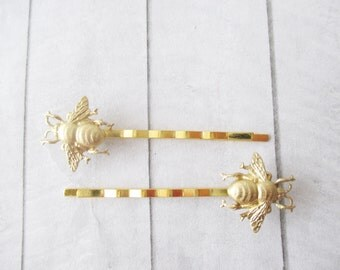 Bee hair clips Gold Hair Pins Gold Bumblebee Bobby Pins Brass Wedding Bridesmaids Bridal Gifts for her Women Hair Accessories Girl