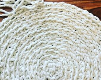 Alpaca Crochet Circular Rug - Super Chunky Throw Rug - Hypoallergenic Alpaca Fleece