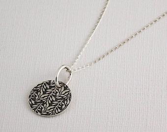 Vine pattern necklace / vine leaf pendant / nature necklace / delicate necklace / botanical necklace / valentine's gift
