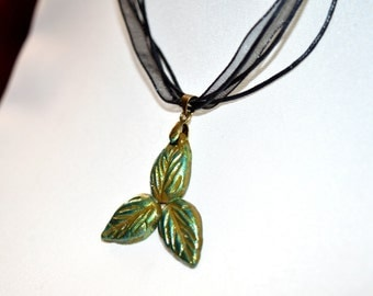 Whimsical Fairy Trinty Leaves Pendant Necklace