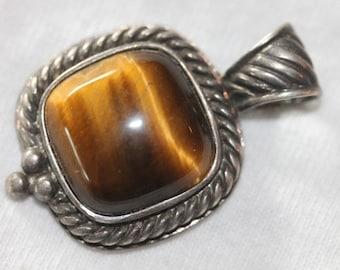 Vintage sterling silver tigers eye stone pendant