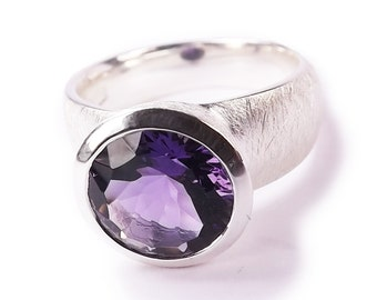 Natural Amethyst Gemstone Silver Handcrafted Ring s6.5