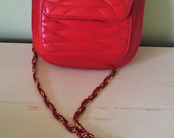 Vintage red purse, vintage red shoulder bag, vintage red leather purse, vintage red leather, vintage leather bag, 1980's red bag,