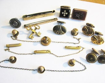 Colletion Lot of Vintage Pieces of Jewelry