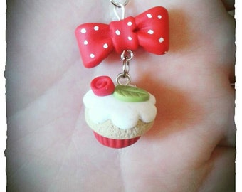 Cupcake necklace with bow