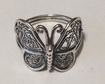 Beautiful sterling silver butterfly ring size 8 1/4