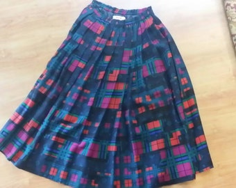 Vintage 1980s  100% wool lined long skirt, by Yarrell.