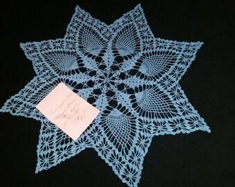 Pineapple & Webs Crochet table scarf in Horizon Blue