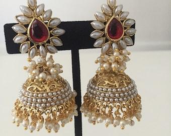 Jhumka earrings ,India earrings, pearl jhumka , Bollywood earrings , India wedding jewelry, Indian jewelry,