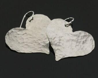 hammered sterling silver earrings, silver heart earrings, 925 sterling silver, dangle, everyday earrings, simple, modern heart drop earrings