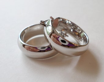 14K White Gold Stamped, RCI Signed, Made in Italy Hoop Earrings.