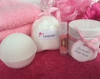 Lavender Spa Gift Set! Bath Bomb, Lip Balm, Fizzy Bath Powder, Sugar Scrub. Bath and Beauty Set