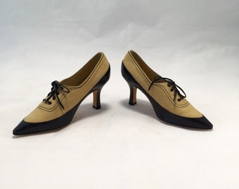 70s manolo blahnik beige lace up pointed pump