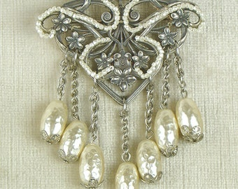 Miriam Haskell signed brooch pin, big statement piece with dangling baroque pearl beads