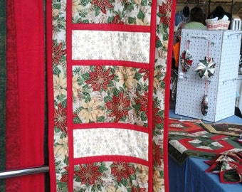 Christmas Table Runner Gold/Red Poinsettias Quilted