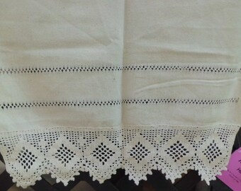 """1930s  Unbleached Muslin  TABLE RUNNER 35"""" X 24"""""""