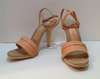 Vintage Candies peach leather mules with ankle strap size 10