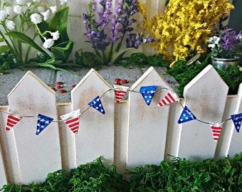 Miniature Patriotic Pennant Banner