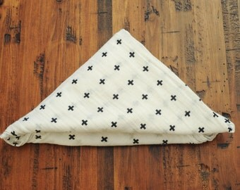 Crosses Swaddle Blanket // Lightweight Baby Blanket with Modern Print //Hipster Baby// Baby Gift // Canada