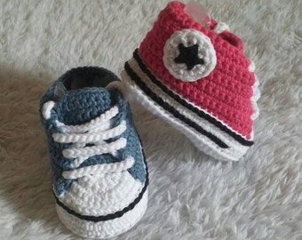 Converse style shoes crochet, crochet baby shoes, converse crochet, baby shoes, baby footwear, newborn shoes, crochet, crochet