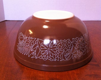 Pyrex Woodland Mixing Bowl